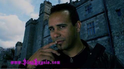 Spunk from Vampire Series Slay Angels showing off his SHI Symbol